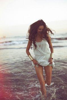 Di fronte al mare la felicità è un pensiero semplice.