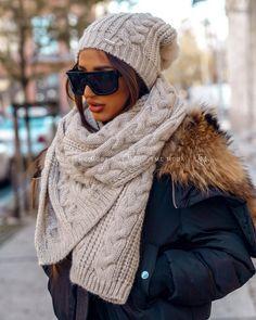 Luxusný dámsky set čiapka a šál svetlobéžový Winter Hats, Fashion, Moda, Fasion, Trendy Fashion, La Mode