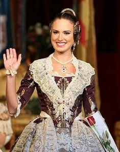 Wedding 2017, Costumes, Lady, Outfits, Inspiration, Dresses, Women, Fashion, Role Models