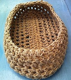 Handmade Knitted Baby Hats,Photo Props and Knitting Patterns. Crochet Cocoon, Cute Crochet, Crochet Dolls, Crochet Ideas, Crochet Baby, Knitting Patterns, Crochet Patterns, Crochet Photo Props, Moses Basket