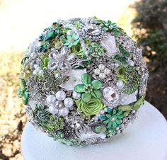Hey, I found this really awesome Etsy listing at https://www.etsy.com/listing/176382209/green-wedding-brooch-bouquet-deposit-on