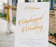 This cheat sheet is all you need to create and share a killer The Knot wedding website.