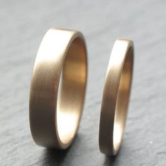 9ct Yellow Gold Wedding Band Set Two Wedding Rings 2mm by OddPower, £300.00 #weddingring