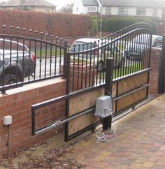 ELECTRIC FENCE: ELECTRIC FENCE GATE OPTIONS