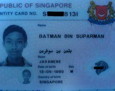 Aeroporto Internacional - Polícia Federal - Recepção de Passageiros Oficial de Imigração: Qual o seu nome? Passageiro: Batman. Oficial: Posso saber seu nome, senhor? Passageiro: Meu nome é Bat-man....