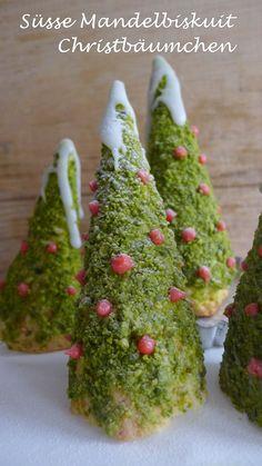 Süße Bäumchen Crochet Christmas Trees, Christmas Tree Pattern, Halloween Christmas, Christmas Baking, Xmas Food, Relleno, Truffles, Avocado Toast, Happy Holidays