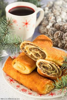 Christmas Eve croquettes with mushrooms Polish Christmas Traditions, Polish Recipes, Polish Food, Recipes Appetizers And Snacks, Ukrainian Recipes, Balanced Meals, Christmas Appetizers, Holiday Recipes, Christmas Recipes
