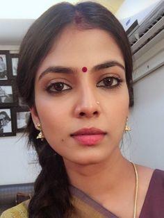 Beautiful Girl In India, Beautiful Girl Image, Beautiful Asian Girls, Beauty Full Girl, Beauty Women, Most Beautiful Bollywood Actress, Glamorous Makeup, Stylish Girl Images, Brunette Beauty