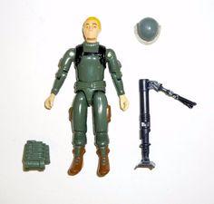GI Joe  3 3//4    Scarlet 1983 Weapon  lt grey