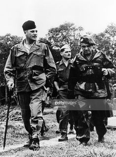 the generals Cogny (left) and Gilles. - 1953