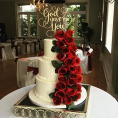 Wedding cake silk roses and the gift of love 💝💘