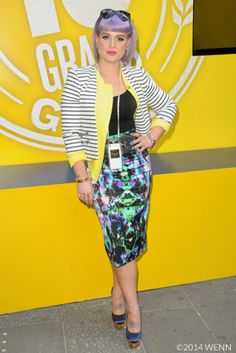 kelly osbourne wheat thins pop up event Kelly Osbourne, Wheat Thins, Celebrity Diets, Yellow Cardigan, Reaching For The Stars, White Strips, Celebrity Red Carpet, Perfect Woman, Sequin Skirt