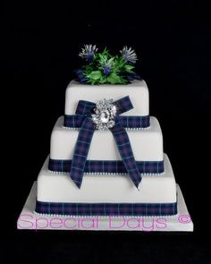 wedding cakes inverness scotland let them eat cake on celtic wedding scottish 24796