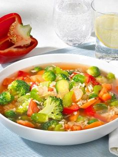 5 Kilo abnehmen mit Suppendiät: Die Schlanksuppe Lose weight with the best fat burner soups Lose 5 pounds with soup diet: The soup soupLose 5 pounds with soup diet: The soup soupEasy 5 Day Apple Diet to Lose 10 Pounds in 7 Days Dieta Hcg, Dieta Paleo, Detox Recipes, Soup Recipes, Healthy Recipes, No Calorie Foods, Low Calorie Recipes, Best Fat Burner, Low Glycemic Diet