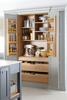 Home Decor Diy Kitchen Pantry Cabinets.Home Decor Diy Kitchen Pantry Cabinets Kitchen Pantry Design, Kitchen Redo, Modern Kitchen Design, Home Decor Kitchen, Kitchen Interior, Kitchen Pantry Cabinets, Smart Kitchen, Kitchen Drawers, Small Kitchen Pantry