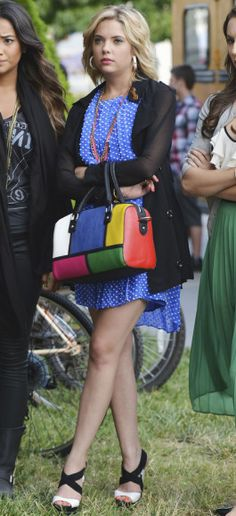 Hanna's blue polka dot dress and multicolored bag on Pretty Little Liars.  Outfit Details: http://wornontv.net/6476/ #PrettyLittleLiars