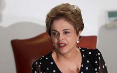 A presidente Dilma Rousseff concede entrevista a veículos de comunicação no Palácio do Planalto, em Brasília (DF), nesta quarta-feira; Brazil's President Dilma Rousseff speaks during an interview at the Planalto Presidential Palace