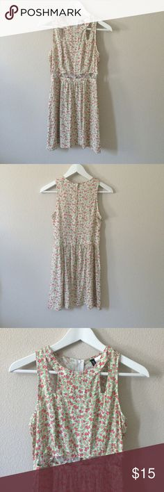 Floral Cutout Dress New without tags. Cute floral pattern. No trades. H&M Dresses Mini