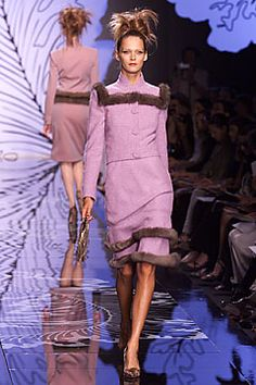 Valentino   Fall 2001 Couture Collection   Style.com