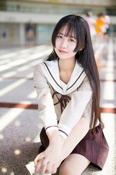 萌芽儿o的日常 | 半次元-第一中文COS绘画小说社区 Cute School Uniforms, School Uniform Girls, Girls Uniforms, Cute Asian Girls, Beautiful Asian Girls, Cute Girls, School Girl Dress, Vietnamese Dress, Sailor Fashion