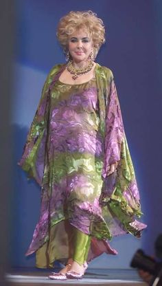 Not Liz' finest hour, but the outfit is fabulous!