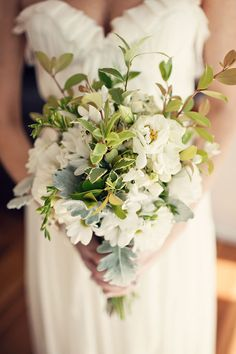 Green And White Bouquet #wedding, #weddings, #pinsland, https://apps.facebook.com/yangutu