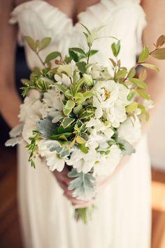 Green And White Bouquet #wedding, #weddings, #pinsland, https://apps.facebook.com/yangutu