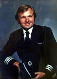 John Ogoniwski was captain of America Airlines Flight 11