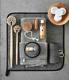 Men's Nailbrush And Badger Shaving Brush Bathroom Spa, Washroom, Bathroom Ideas, Badger Shaving Brush, Beauty Salon Interior, Shabby Chic Farmhouse, Men's Grooming, Bathroom Styling, Towel Set