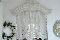 wind breaks, linen blinds, curtains, curtain, embroidered curtains, net curtains, embroidered, wind breaks, tip, ready to ask, kitchen curtain, organza, muslin, linen: Valance Coquecigrues QUEEN