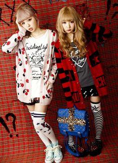 two girls modelling Harajuku fashion Japanese Street Fashion, Tokyo Fashion, Harajuku Fashion, Kawaii Fashion, Lolita Fashion, Cute Fashion, Unique Fashion, Korean Fashion, Harajuku Style