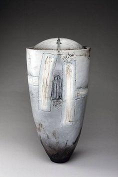 Christine Fabre, canope raku et bronze Galerie Capazza www.galerie-capazza.com