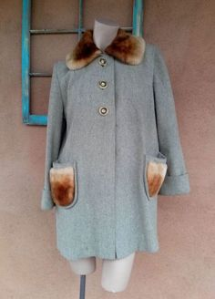 Vintage 1940s Swing Coat Gray Wool Mouton Fur Collar Pockets Sz M L US 12 #Erdrich #SwingCoat #Outdoor