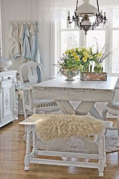 VIBEKE DESIGN: This kitchen just speaks to me!