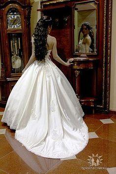 Невеста и ее атрибуты Wedding Dresses, Fashion, Bride Dresses, Moda, Bridal Gowns, Wedding Dressses, La Mode, Weding Dresses, Fasion