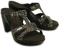 8ee5d0bc8 crocs Women s Cyprus V Leopard Print Heel W Dress Pump