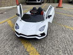 What's really cool about these kids ride-on lamborghinis is that we didn't realise that we had given it the LOT Number 007! Thank you Ms Moneypenny.