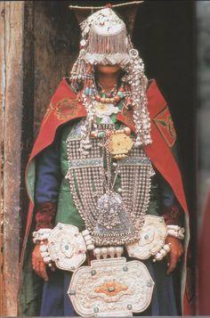 (un)fashion. Smykker med smykker på.