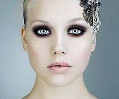 Dark makeup stunning eyes #fashion