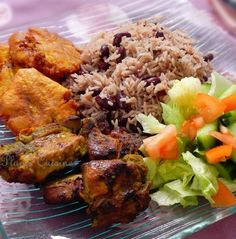 Le fameux griot haïtien! Haitian griot (fried pork)