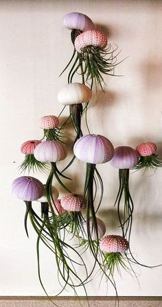 Oh my gosh, love this!! I think I am going to attempt to make this myself. Assorted Hanging Jellyfish Air Plants by SimplyMAEdwithlove