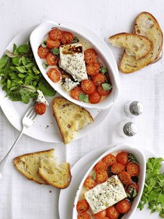 This recipe for baked feta with cherry tomatoes and garlic toast is quick and easy to make, vegetarian and under 500 calories Easy Vegan Lunch, Vegan Lunch Recipes, Vegan Lunches, Easy Healthy Breakfast, Healthy Recipes, Healthy Food, Veggie Recipes, Breakfast Ideas, Beans On Toast