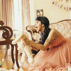 I wonder What happens when love becomes obsession ?  /  Me pregunto, ¿Qué pasa cuando el amor se vuelve en obsesión?