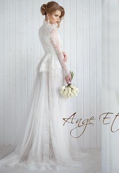 Полностью закрытое безкорсетное свадебное платье 'Shantal'   Свадебный салон ROMANCE