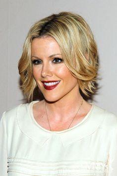 Kathleen Robertson-Love this hairstyle