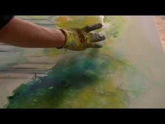 Acrylfarben fließen lassen, acrylic colours floating - YouTube