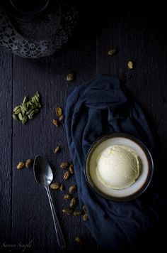 This cardamom ice cream with candied pistachios is a sweet and salty dessert with bold flavors that's truly a show stopper. Get the step-by-step instructions from Savory Simple. Frozen Desserts, Frozen Treats, Just Desserts, Vegan Desserts, Sin Gluten, Gluten Free, Gelato, Mousse, Cheesecake