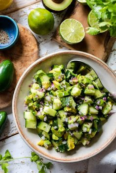 Avocado Cucumber Salad is as simple as making chunky guacamole! This cucumber salad recipe is fresh, so simple, and goes well with all your summer barbecue! Corn Salad Recipes, Cucumber Recipes, Summer Salad Recipes, Summer Salads, Juice Recipes, Summer Food, Cucumber Avocado Salad, Avocado Salat, Guacamole Salad