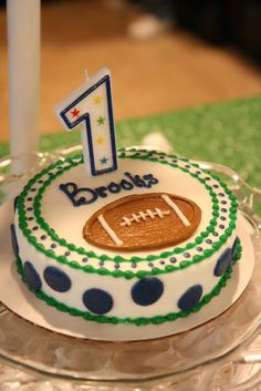 Cutes FIRST tailgate birthday party! My nephew needs this...