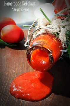 Ketchup bio facut in casa~Homemade ketchup Homemade Ketchup, Pickling Cucumbers, Canning Recipes, Pickles, Barbecue, Food And Drink, Vegan, Cooking, Fine Dining